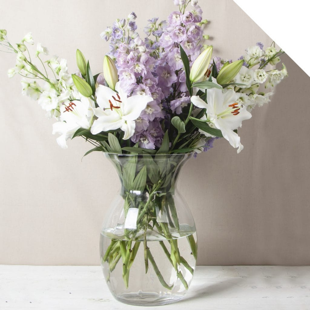 Centerpiece with Delphinium | Holex Flower