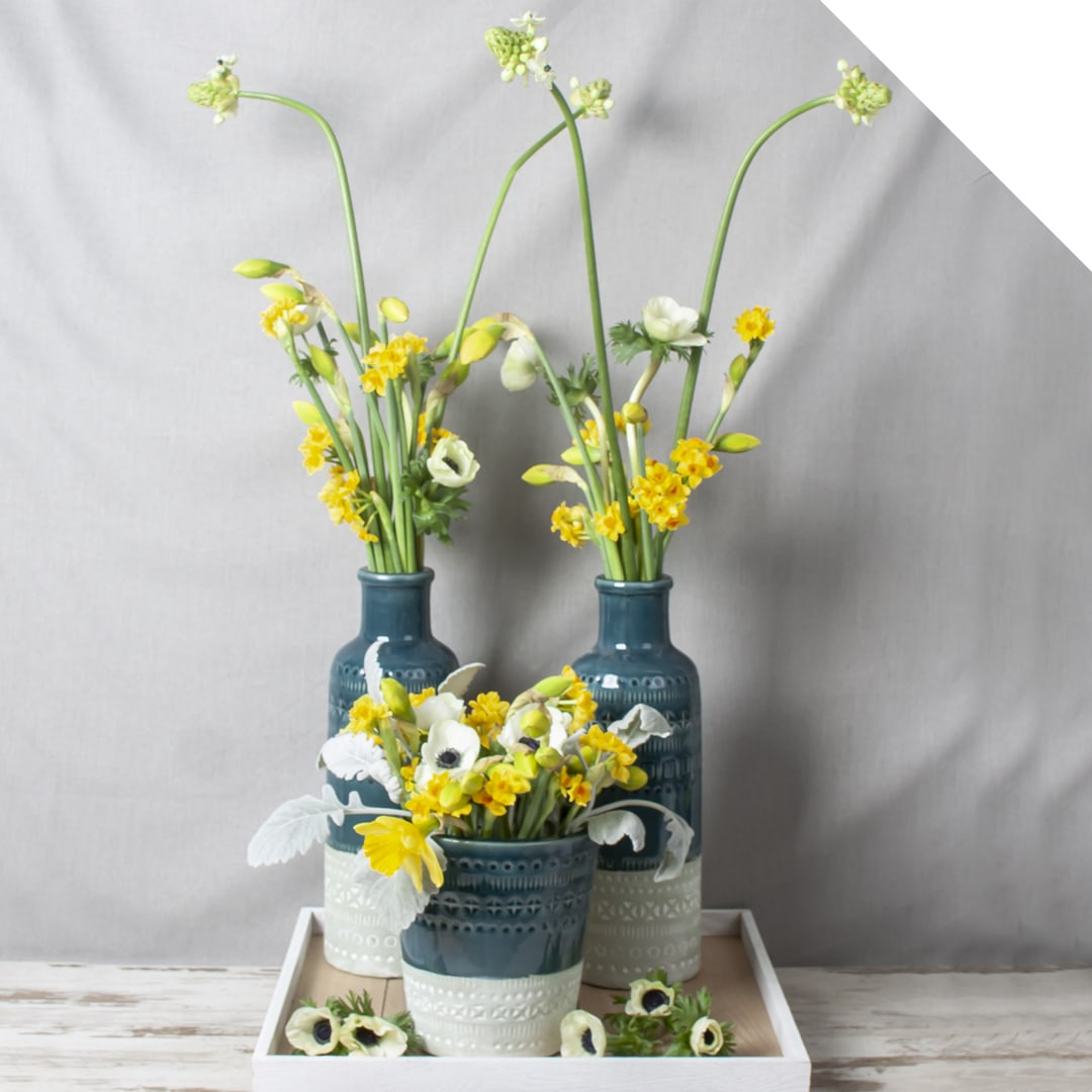 Table Piece with Daffodil | Holex Flower