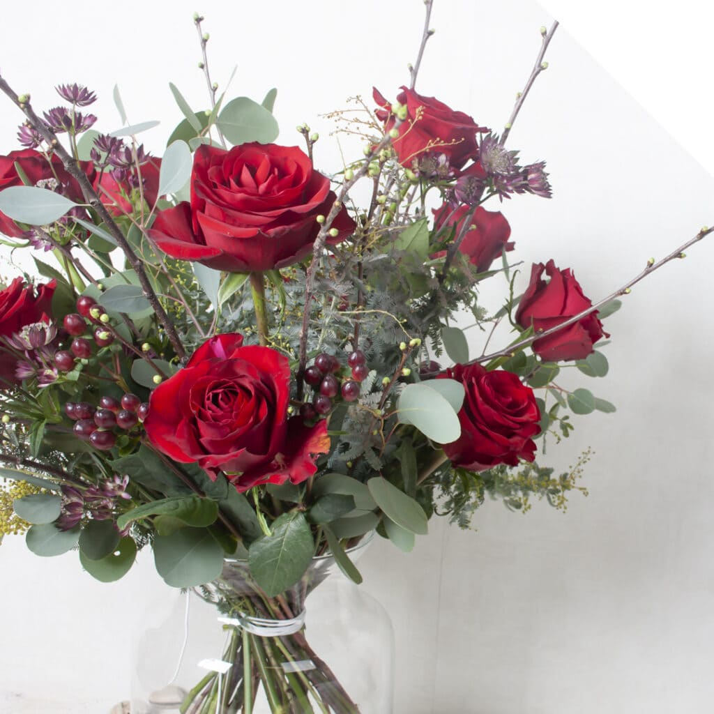 Valentines Bouquet with Roses | Holex Flower